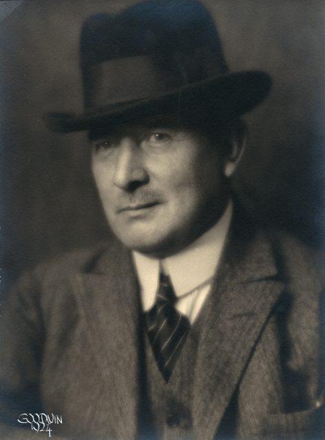 Axel Karlfeldt porträtt.